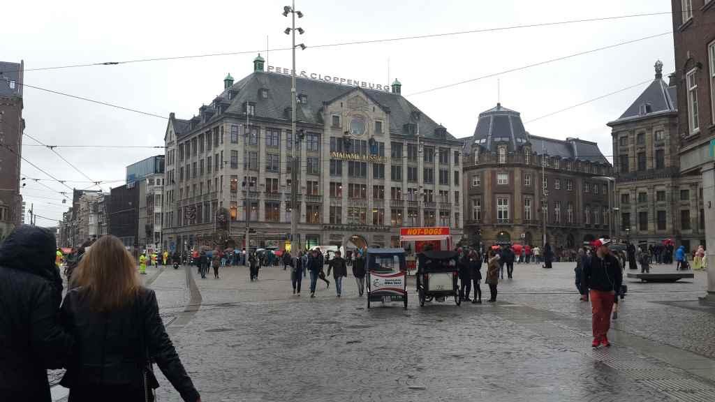 yesempatik-amsterdam-gezi-rehberi-seyahat-gezgin-kanal-bisiklet-madam-tussauds