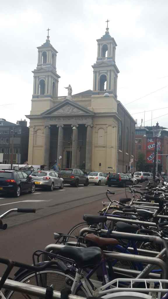 yesempatik-amsterdam-gezi-rehberi-seyahat-gezgin-kanal-bisiklet-park