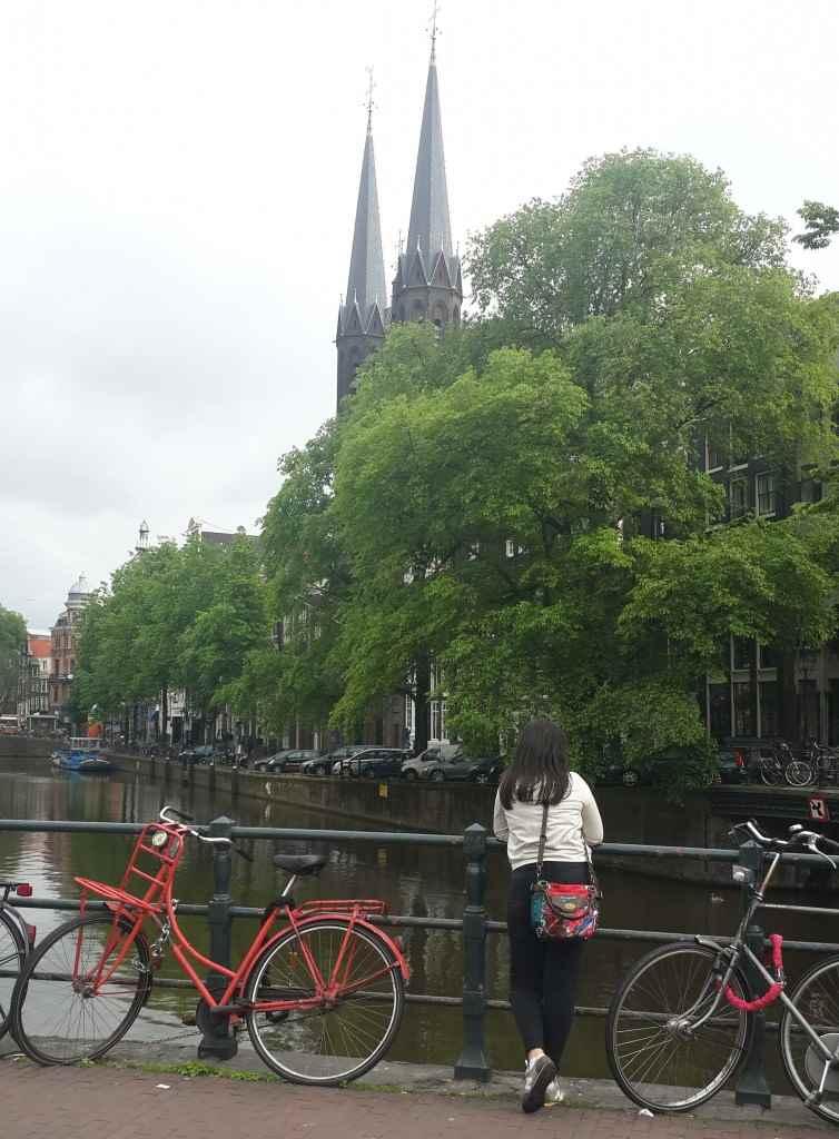 yesempatik-amsterdam-gezi-rehberi-seyahat-gezgin-kanal-bisiklet-gezgin-ev-bisikletli