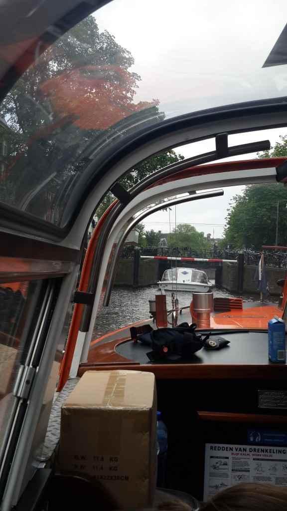 yesempatik-amsterdam-gezi-rehberi-seyahat-gezgin-kanal-bisiklet-gezgin-ev-kanalturu