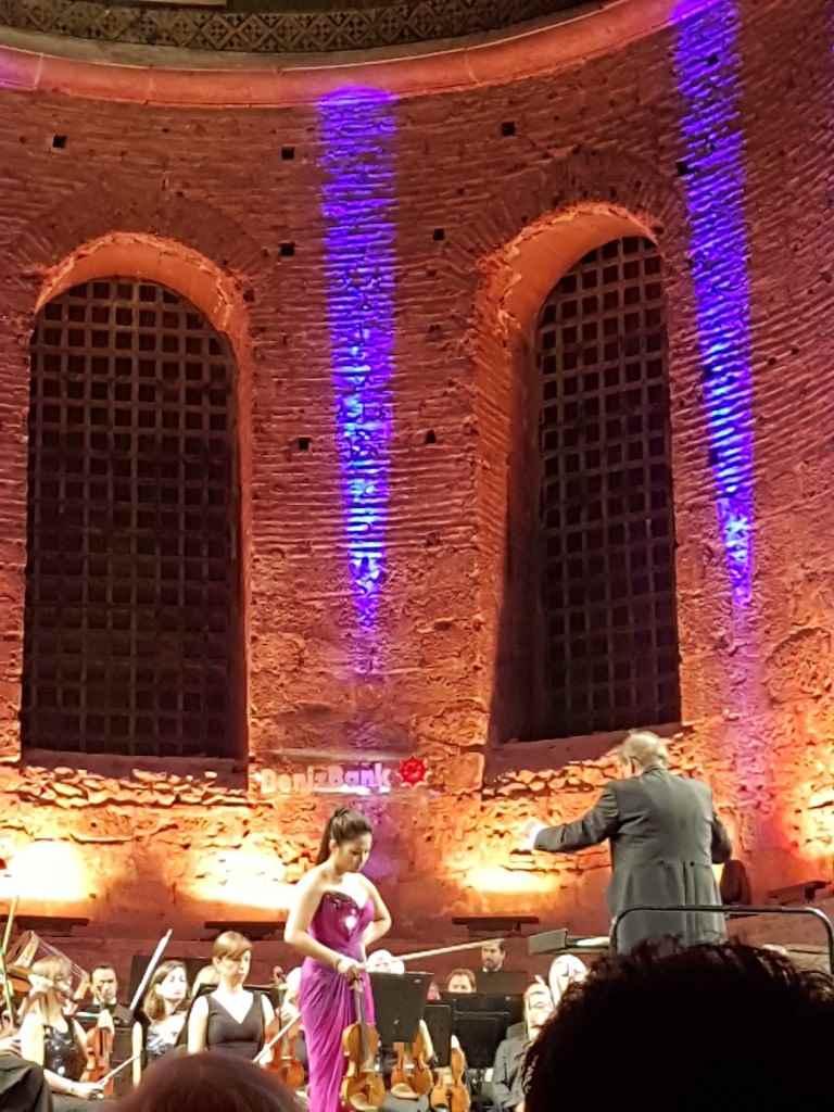 istanbul-devlet-senfoni-orkestrasi-konser-aya-irini-sarahchang-keman-yesempatik