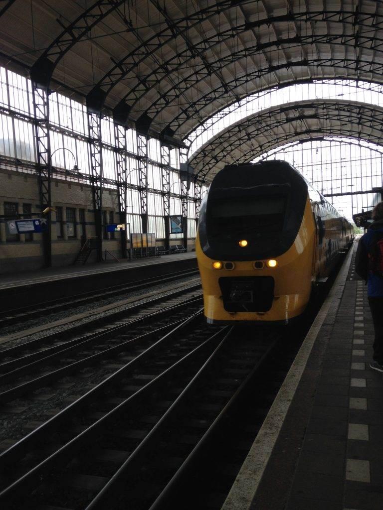 yesempatik-hollanda-haarlem-gezi-rehberi-tren-istasyonu-amsterdam