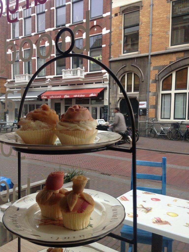 yesempatik-hollanda-haarlem-gezi-rehberi-jetties-cafe-cupcake-amsterdam