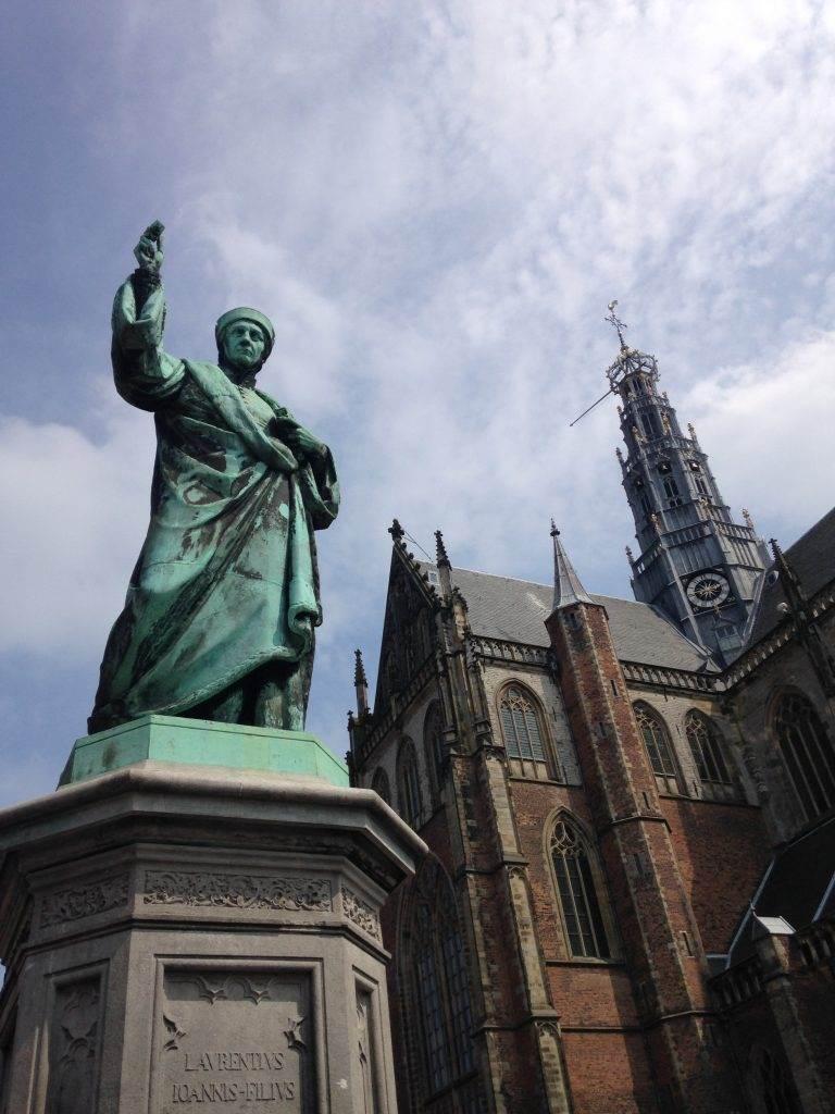 yesempatik-hollanda-haarlem-gezi-rehberi-heykel