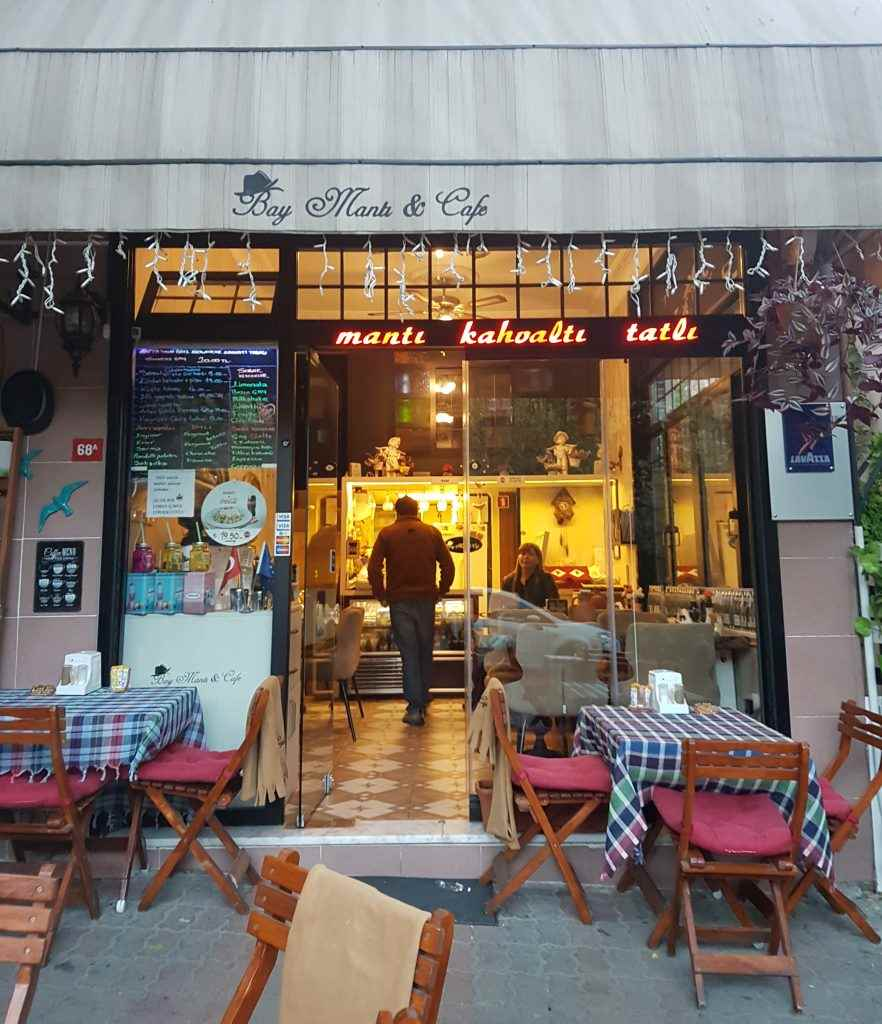 yesempatik-kuzguncuk-baymanti-cafe-manti-kahvalti-mekan-tarihi-sokak-fotograf