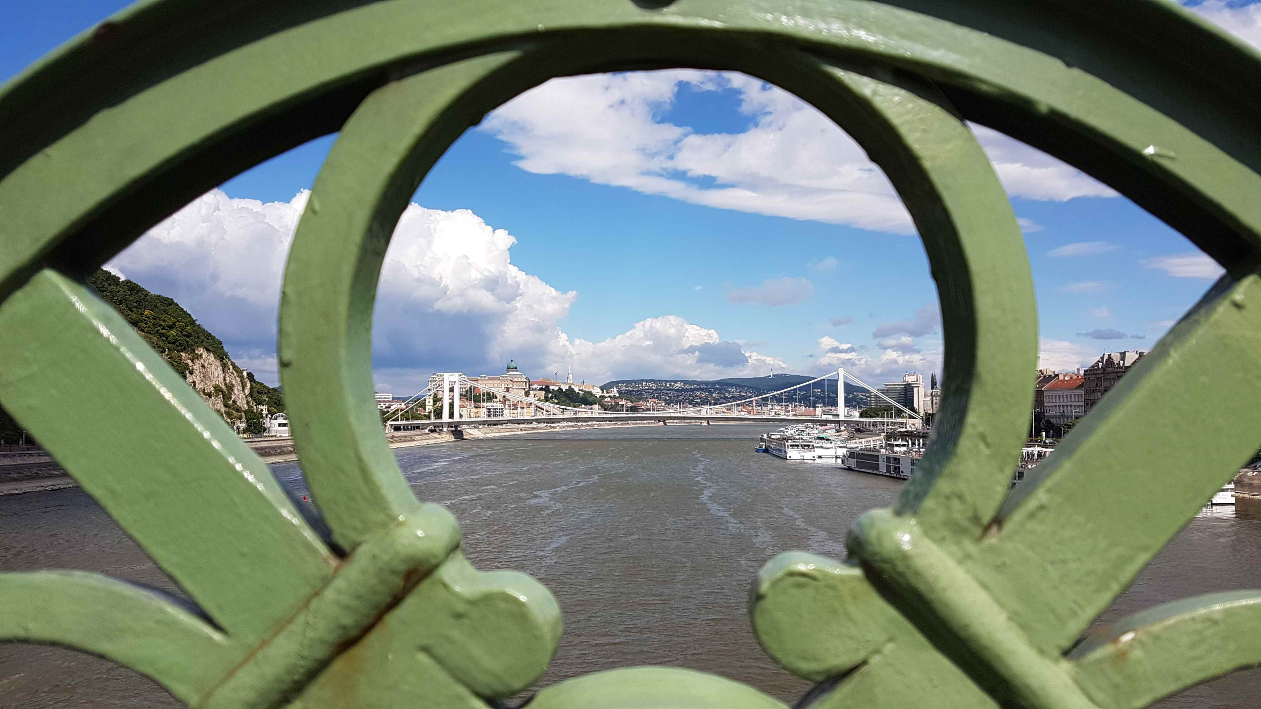 yesempatik-budapeste-gezi-seyahat-liberty-bridge